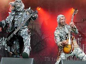 http://www.metal-rules.com/concerts/Tuska2001/Tuska2003/pics/luxi/Lordi_-_Tuska_festival_12-7-2003_011.jpg