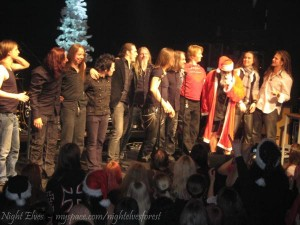 NIGHTWISH, TERÄSBETONI, CHARON, SONATA ARCTICA, AMORAL members singing Xmas songs