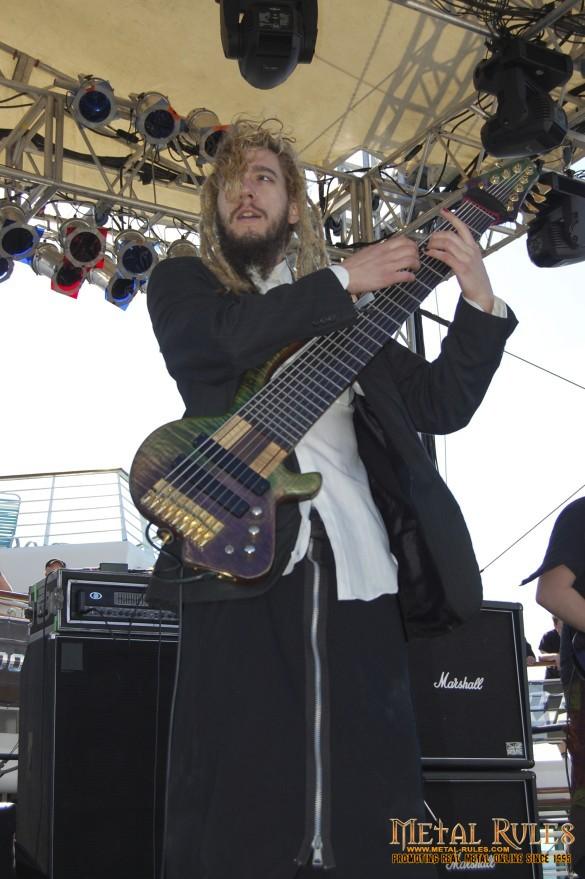 Freaky guitar!