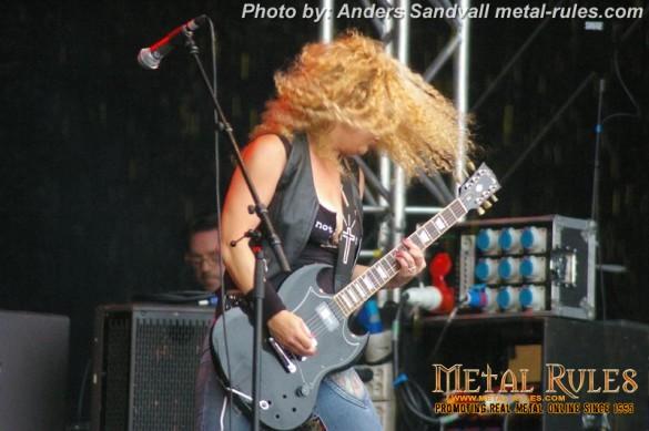 Nashville_Pussy_live_getaway_rock_2013_2