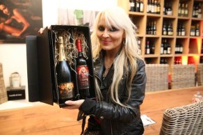 DORO Hero Cava Brut Reserva Champagne and Herzblut [Lifeblood] Vino Tinto Red Wine.