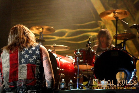 Vince Neil & Slaughter - Feb 15th, 2014 Mile One Center, St. John's, NL