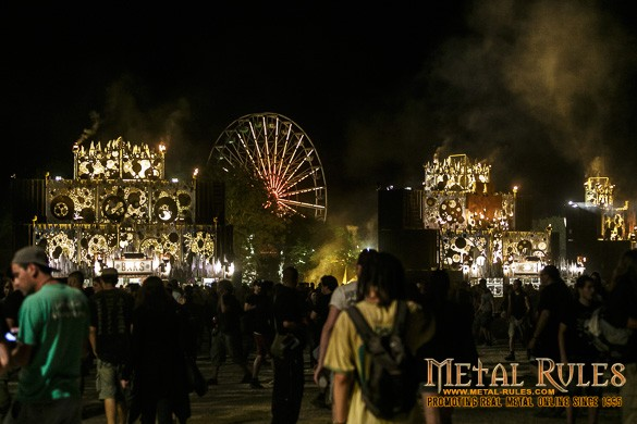 Nght falls over Hellfest as Slayer get down to business...