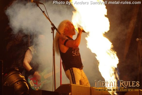 Twisted_sister_live_summer_rock_2014_16