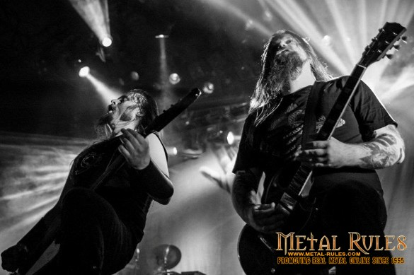 Enslaved founding members Grutle Kjellson and guitarist Ivar Bjørnson live