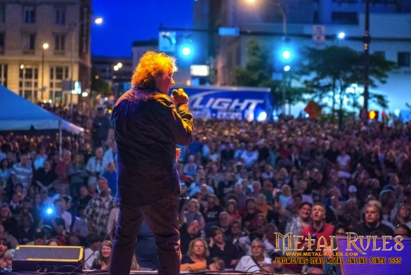 LouGrammColorPhotoLive