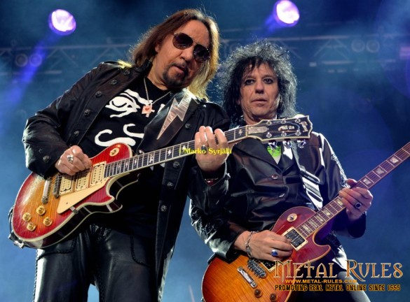 Ace and Richie together on stage again